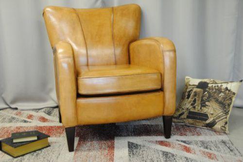 Schapenleren fauteuil.
