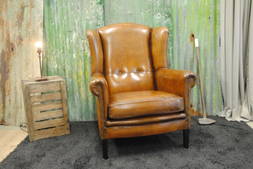 Schapenleren meubelen uit eigen stoffeerderij Frank